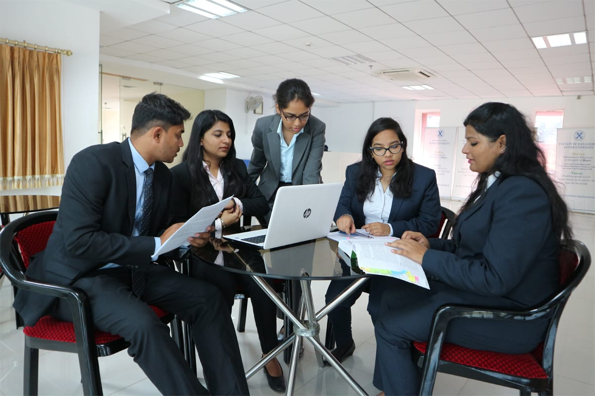 What Are The Career Opportunities For You With a Master of Business Finance Degree?