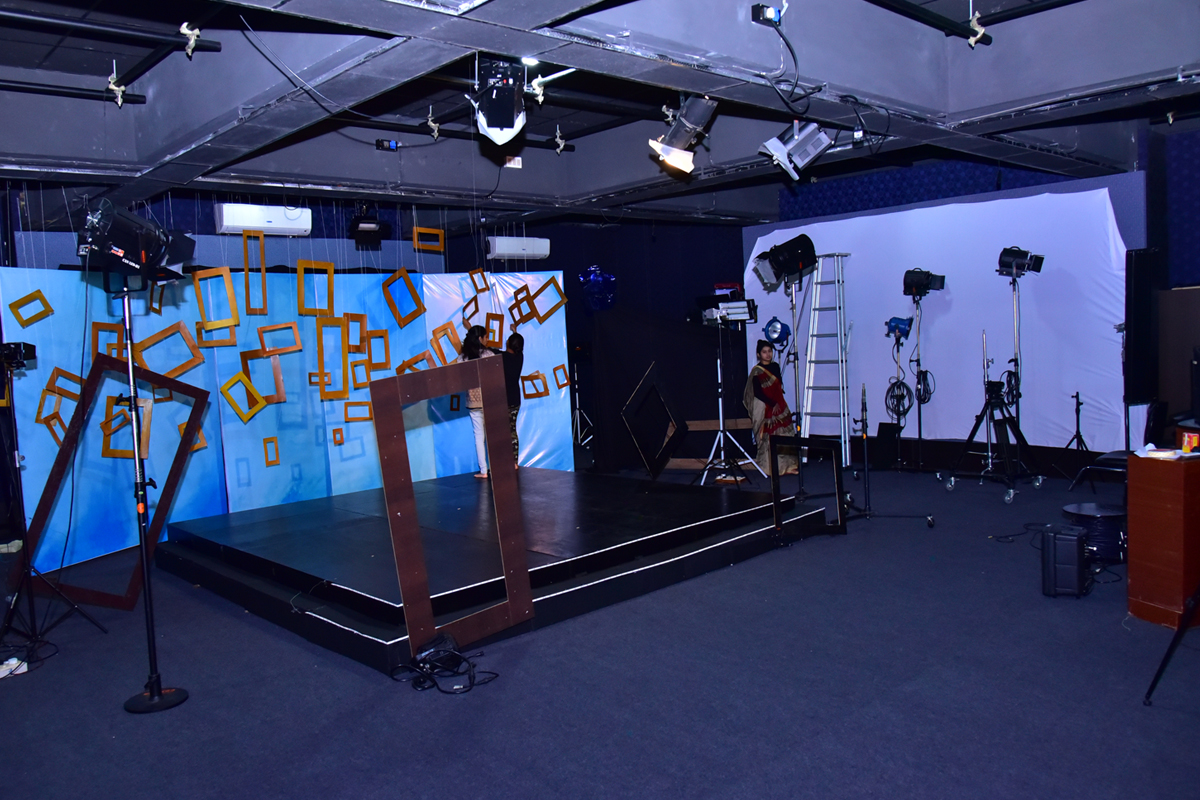 What Makes XIM University a Great Choice for MA in Mass Communication?